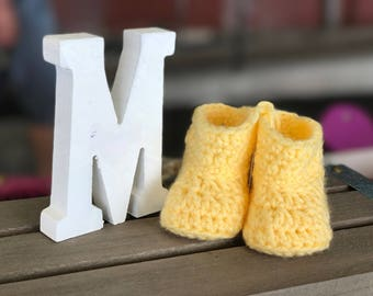 Booties - baby slippers. Think of comfort and original for a shower, birth, christening or birthday gift!