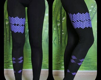 38, hand-painted Leggings Black with purple print