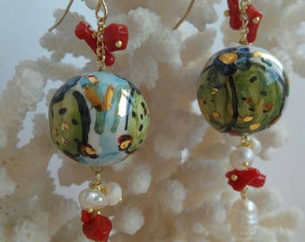 Pearl Earrings with white pearls and coral Caltagirone ceramics,