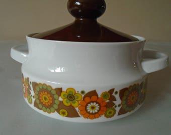 flower power 70's casserole dish