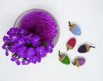 Crocheted acorns - 5 units