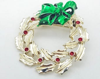 Vintage Gold Christmas Wreath Brooch with Red and Green Enamel
