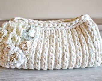 Small Bag Pattern, Clutch Tutorial, Crochet Bag Pattern, Crochet Purse Pattern, Crochet Patterns, Easy Crochet Pattern, Bridesmaid Clutch