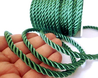 Green 5 mm Braided Silk cord_PP0013802347_Braided Cords_Green bobbin OF 5 meters _5/46 yards