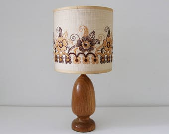 Teak lamp with stitched shade