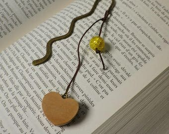 Bookmarks wooden heart and yellow cracked glass bead