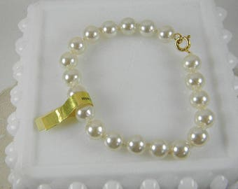 Vintage Faux Pearl Bracelet R.O.C. Taiwan Costume Jewelry