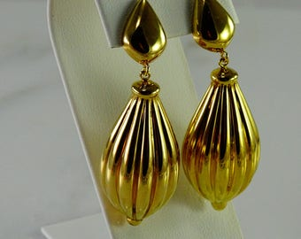 18K Huge Dangle Earrings Pierced