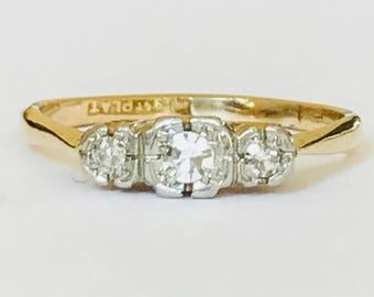 Beautiful antique Art Deco 9ct gold and platinum Diamond engagement ring - 1920's