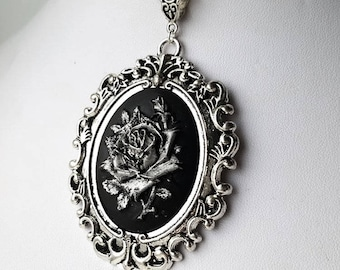 Gothic Silver Detailed Rose Necklace