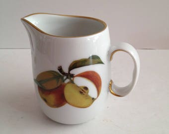 Royal Worcester Evesham Gold Creamer Size: 3 3/8 in Apple and Blackberry with Gold Rim in Oven to Table Ware c 1961; New Vintage