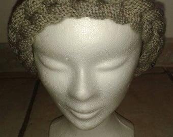 Light beige braid Hat knitting pattern