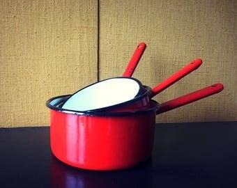 Red enameled pans - set of 3 pans - kitchen decor - vintage gift