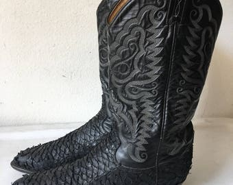Black men's boots from real leather genuine and durable leather, vintage style western cowboy boots old boots retro boots has size - 9.