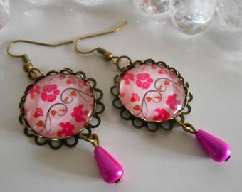 """Stamped bronze earrings """"the universe pink"""" glass cabochon"""