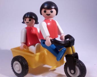 PLAYMOBIL 3359 /Tricycle with girl and boy-vintage collection