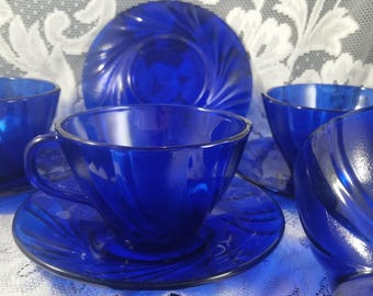A Set of 4 Vereco Cobalt Blue Teacup and Saucer with Clear and Frosted Swirls Made in France. Cobalt Blue Coffee Cups and Saucers.