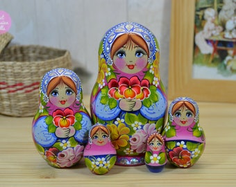 Russian doll, Matryoshka doll, Nesting doll, Gift for sister, Wooden hand painted babushka, Gift for her, Wood art, Painting on wood