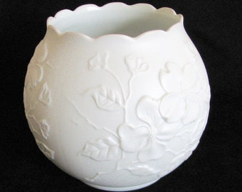 SPRING SALEVintage Kaiser Dogwood Rose Bowl Porcelain Vase White