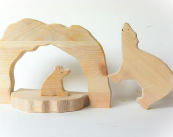 Polar bear mother & cub. Waldorf Wooden toy.