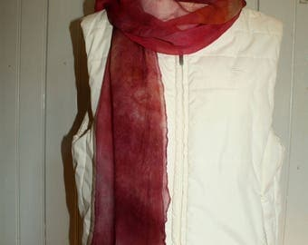 Hand dyed scarf made of chiffon silk ' Lampone '
