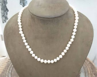 "Akoya white Pearl necklace. AAA. 14ct gold clasp. 6-7mm. 18"" Princess Pearl necklace."