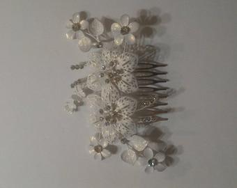 Pearl and rhinestone wedding hair comb