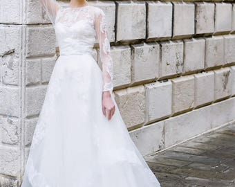Wedding dress 'CLEOPATRA' / Long sleeve wedding dress, modest bridal gown, long sleeves, keyhole back, high neck