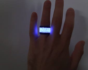 Carbon Fiber Ring With Purple Glow, polished finish about 16 mm width