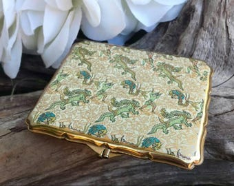 Dragons and wizards Stratton wallet compact/vintage compact/vintage wallet/50's metal wallet/vintage money wallet/metal wallet/Stratton