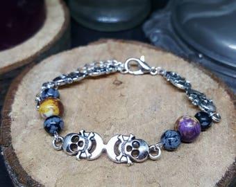Silver Skulls bracelet - bracelets links - skull - beads - fashion bracelet - Gothic bracelet - pirate - choose from 3 colors