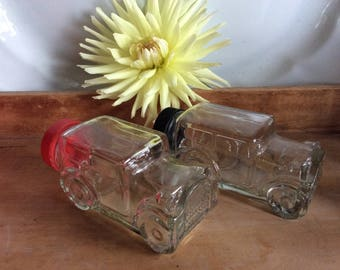 Nice candy container Ford model 1929 touring car kitchen display or spice bottle storage