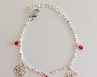 Chain bracelet prints and pearls Red