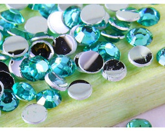 Set of 10 rhinestone faceted resin paste green 4mm