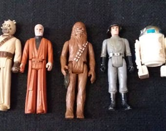 Vintage Star Wars Action Figure Lot of 5 Chewy Obi Wan Kenobi R2D2 Star Ship Trooper Tuskan Raider