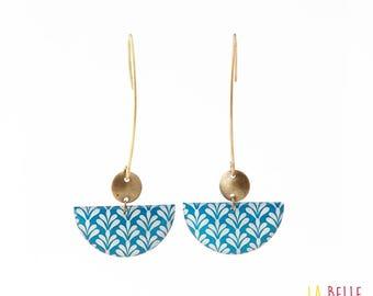 Crochet half-moon pattern art deco blue earrings