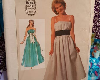 Vintage Simplicity #7372 size 8 year  1986
