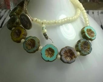 Short chain bracelet beads