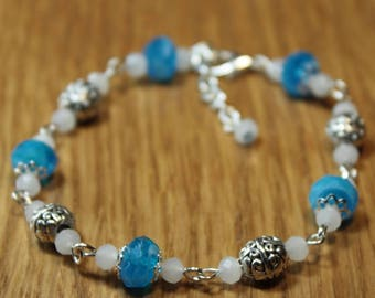Turquoise glass beads and silver-plated Beads Bracelet