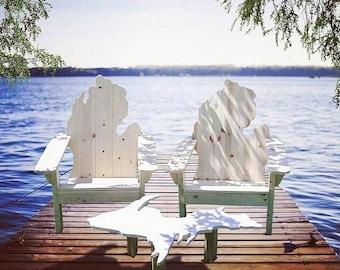 Classic Style - Full Michigan Adirondack Chair Set (2 Chairs & 1 U.P Table)