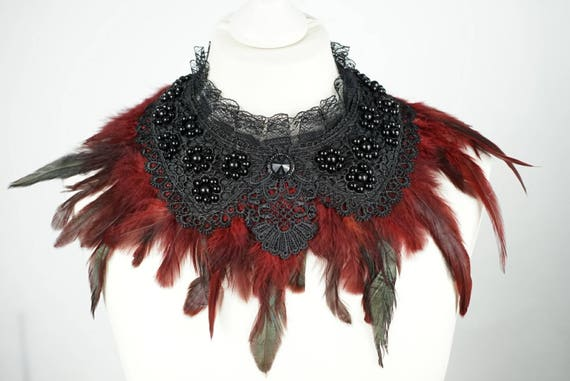 Black collar with feathers and pearls, black collar with feathers and beads