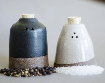 Salt and Pepper Set, Salt and Pepper Shakers, Handmade Ceramic Salt and Pepper Shakers, Foodie Gift, Housewarming, Christmas Gift