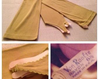 """Anniversary Sale Vintage Ladies Chartruese 21"""" Gloves"""