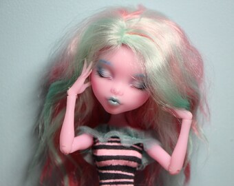 monster high repaint Draculaura OOAK free shipping