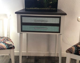 Mid Century Modern End Table or Night Stand