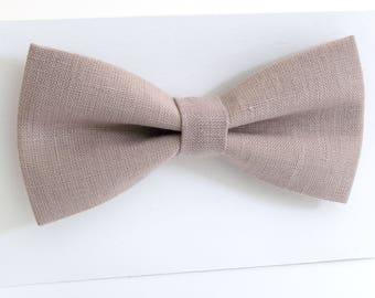 Pink-grey bow tie