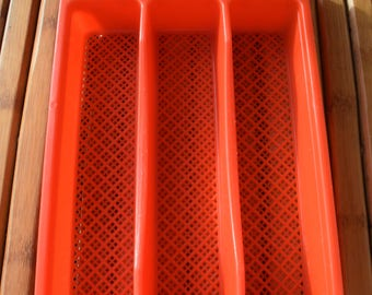 Vintage cutlery tray in red plastic - France - pop -