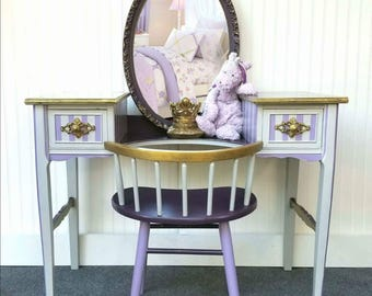 Attirant SOLD   Vintage Vanity And Chair With Mirror   SOLD