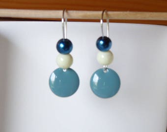 Single earring with pendant old blue sequin and beads