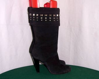 Sz 7.5 Women Vintage black suede 1990s mid calf high heel boots.